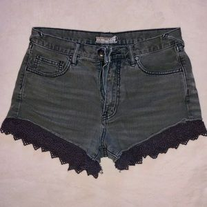FREE PEOPLE | Like new lace jean shorts